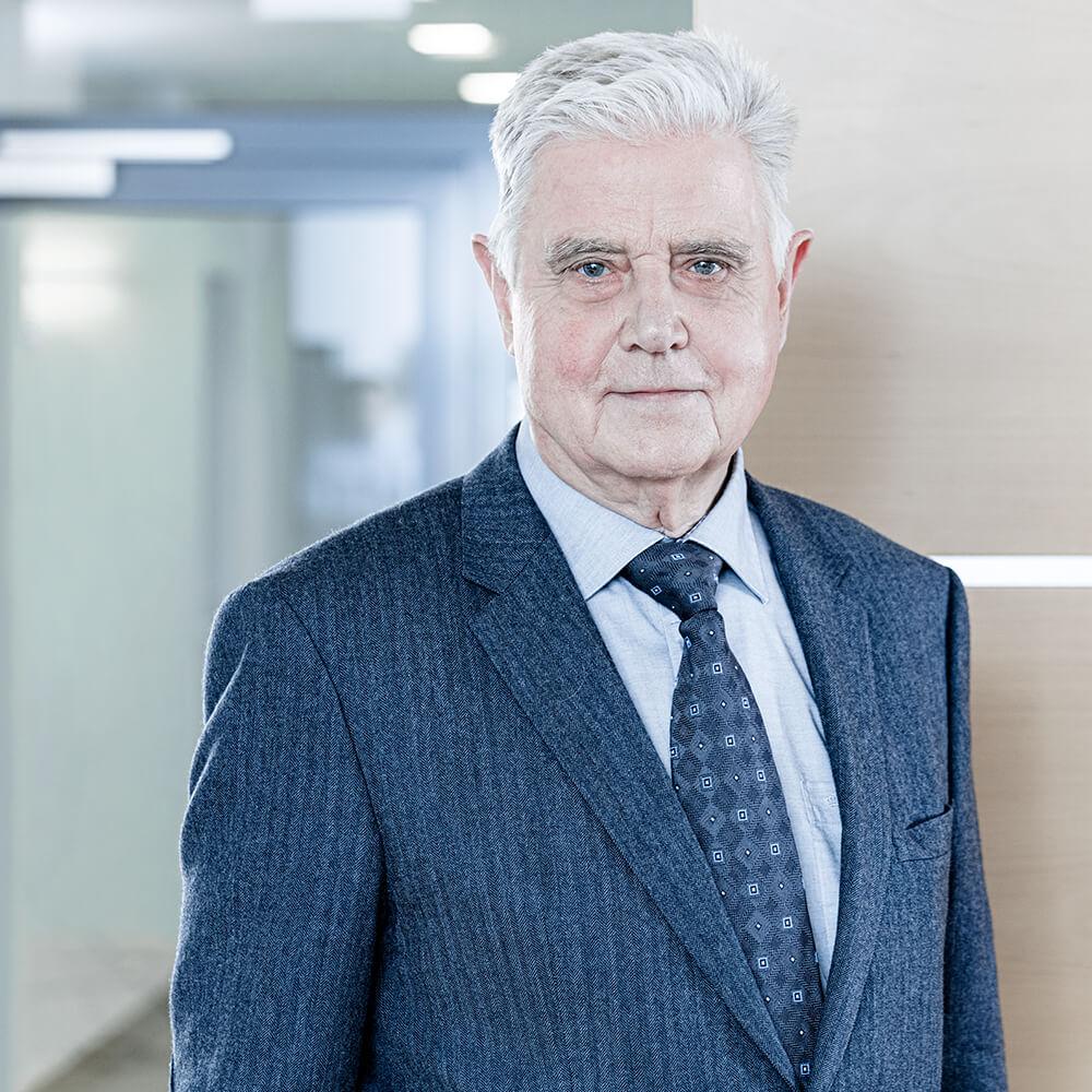 Busse & Busse - Herr Egon Bünemann